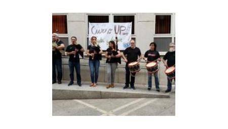 Conciertu de la banda de gaita y tambor asturianu de los escolinos de UP