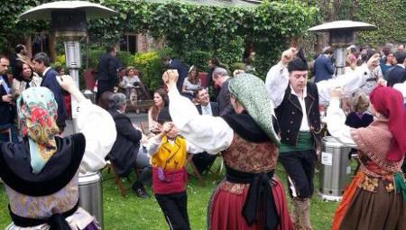 Folclore en la calle: Banda de gaitas Centro Asturiano de Oviedo  - SUSPENDIU -