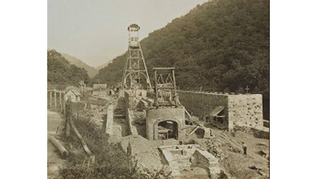 Paisajes Paisajes de carbón. Sociedad Hulleras de Turón, 1916.de carbón. Sociedad Hulleras de Turón, 1916.