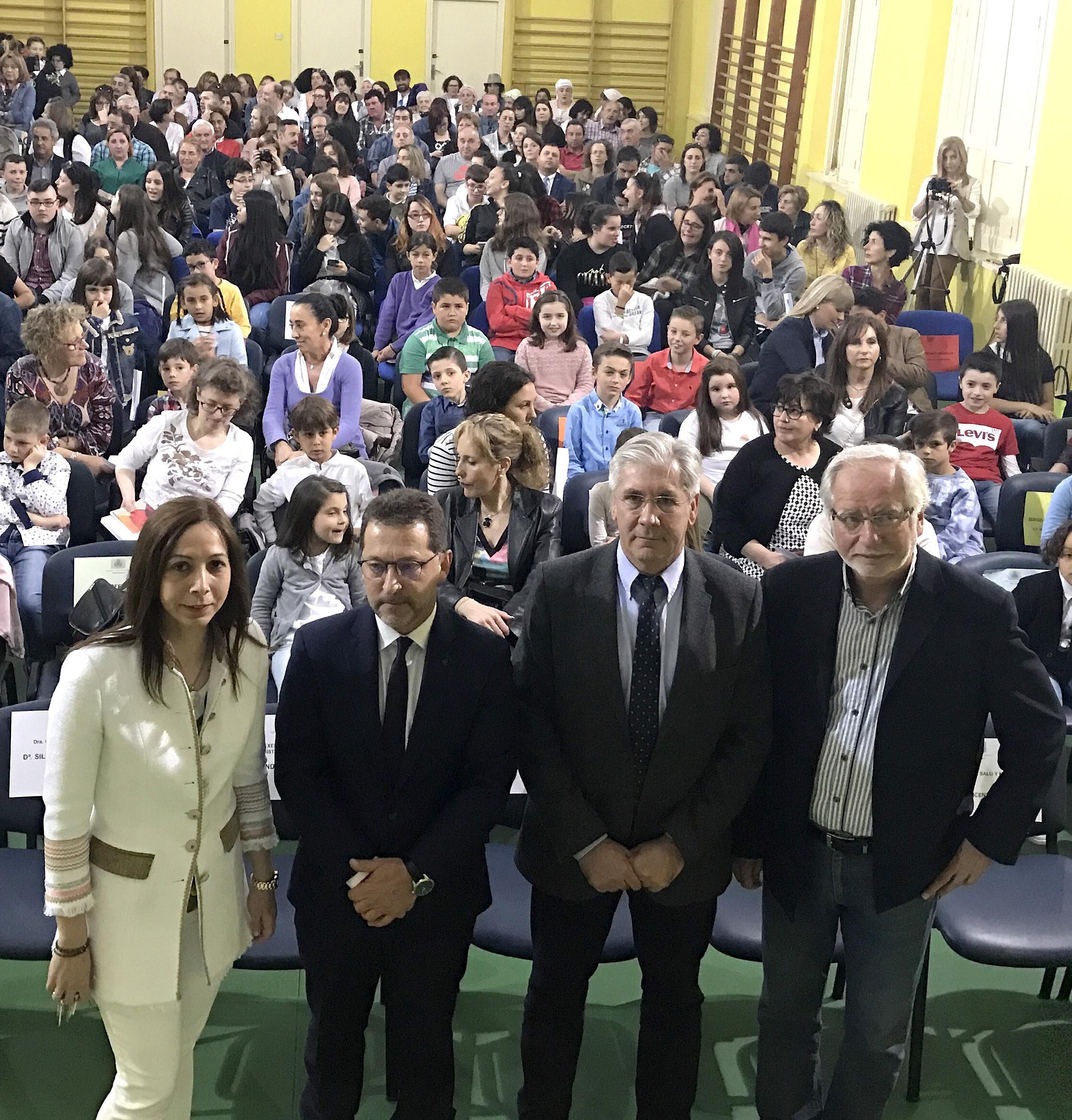 Silvia García, Genaro Alonso, Fernando Padilla y José María Lana actu institucional CP Santiago Apostol de Mieres Día de les Lletres