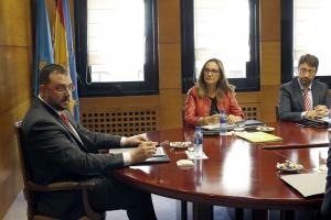Adrián Barbón, Rita Camblor y Enrique Fernández Rodríguez Conseyu de Gobiernu medayes d'Asturies