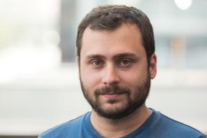 "Suárez: ""Ye fundamental que l'asturianu tea en Wikipedia, la principal puerta d'accesu al conocimientu n'Internet"""