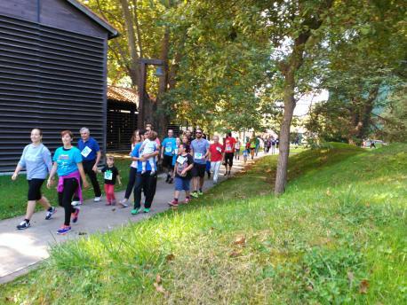 Entaína: Corriendo pel Pueblu d'Asturies
