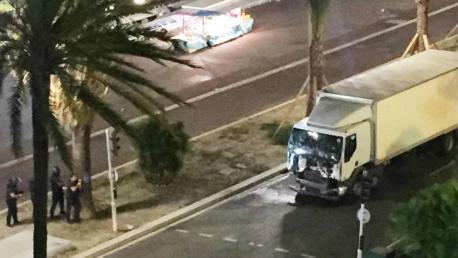 El terrorismu ataca Francia coincidiendo col 14 de xunetu