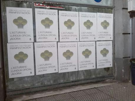 Cartelos día manifestación 'L'asturianu llingua oficial ¡agora!' 6-A