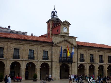 Les Aules Populares d'Avilés siguen marxinando les temátiques asturianes na so programación