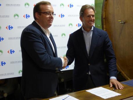Celestino Cortina y César López Sánchez conveniu DOP sidra y Carrefour
