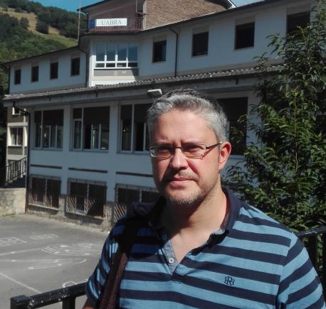 """Cristóbal Ruitiña: """"Vuelven a dase les condiciones p'afitar un mediu de comunicación n'asturianu potente."""""""