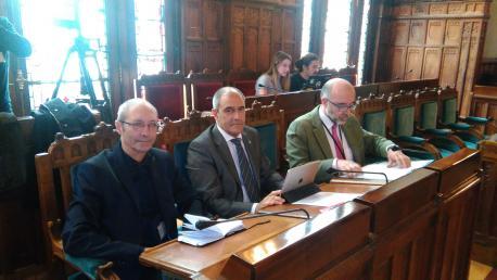 """""""La oficialidá tendría un coste d'ente 8 y 10 millones"""", calcula Rivas"""
