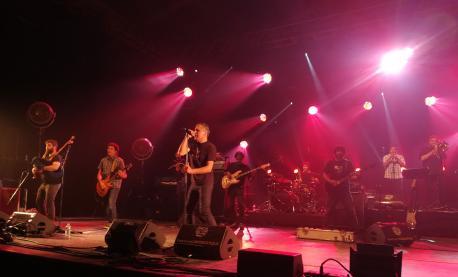 """""""Tol mundu debería visitar el Festival Interceltique al menos una vez na vida"""", asegura Santianes"""