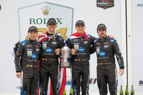 Fernando Alonso col Wayne Taylor Racing campeón del Rolex 24 at Daytona