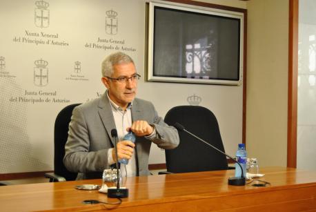 Llamazares reclama llexitimar caldía l'autogobiernu d'Asturies, un estatutu de tercera xeneración y la reforma electoral