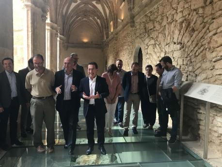 Genaro Alonso na presentación del congresu polos 1.300 años del orixe del Reinu d'Asturies