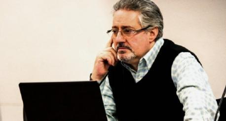 El Centro Asturiano de Madrid da'l so 'Urogallo' de llingua asturiana a Humberto Gonzali