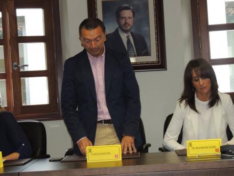 El refugu de la executiva llocal del PSOE de Candamu a la ordenanza d'asturianu lleva a dimitir a Suárez