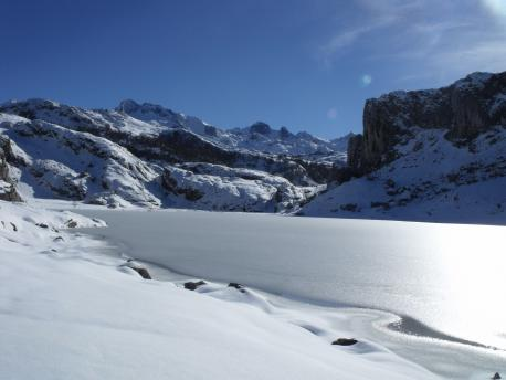 Los aspeutos xeobotánicos del Parque de Picos, temática d'una charra nel RIDEA