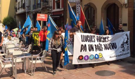 Manifestación #LluchandoPolaSoberanía