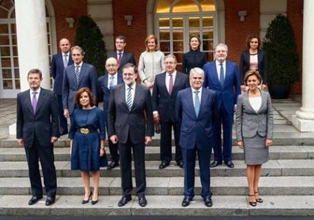 Rajoy presenta al so equipu de Gobiernu, marcáu pola continuidá