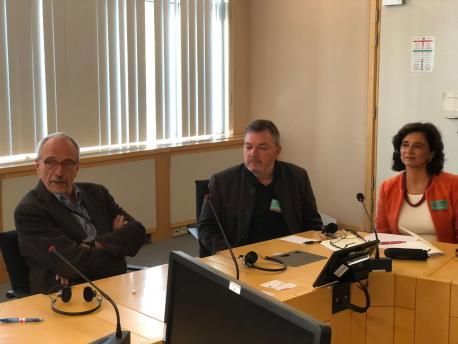 Nils Torvalds, Xosé Antón González Riaño y María Cristina Valdés en Bruxeles