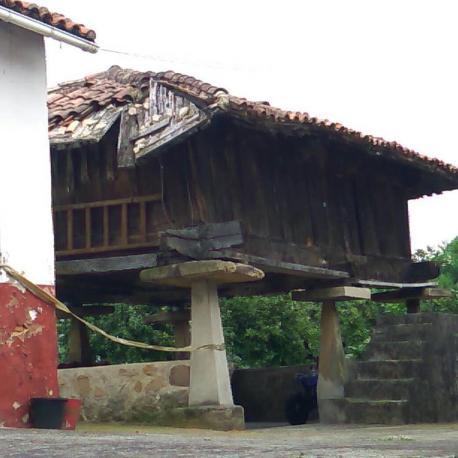 Panera de Guerrillero Fombella (Noreña) ampliada