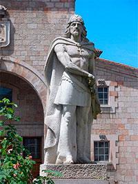 Foro entruga nel Senáu pol deficiente tratamientu de la historia d'Asturies nos llibros de testu