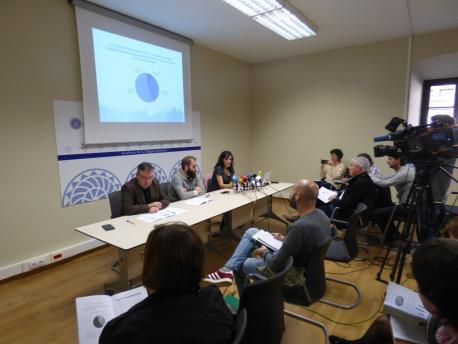 Presentación 'Los jóvenes y la lengua asturiana' d'Isabel Hevia na ALLA