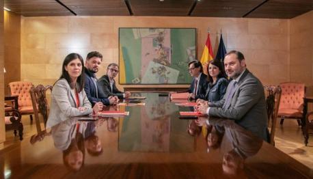 Primer xunta ERC y PSOE investidura Sánchez