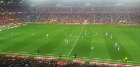 Sporting 1-0 Uviéu (25 de marzu del 2019) xuegu zona afición Uviéu reducida y recortada