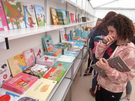 VI Feria del Llibru y Discu n'Asturianu.jpg