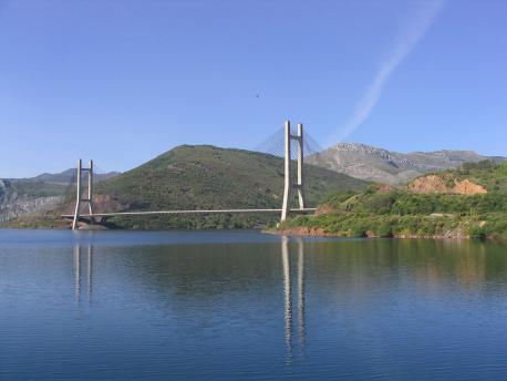 Viaductu Inxenieru Carlos Fernández Casado nel Güerna