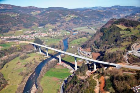 Viaductu sobre'l ríu Narcea tramu La Doriga-Corniana
