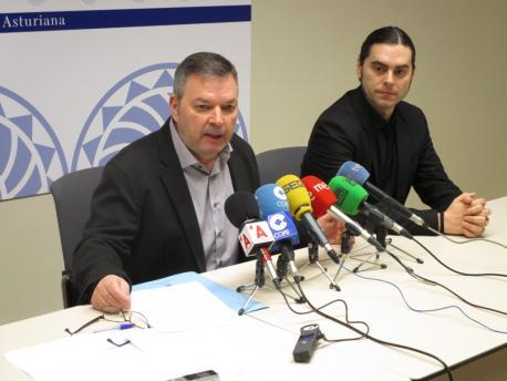 Xosé Antón González Riaño y Santiago Fano presentación XXXIX Día de les Lletres Asturianes