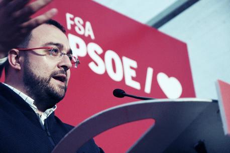 Adrián Barbón campaña eleutoral en Llanes