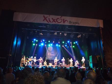 Xixón Sí Puede felicítase de la presencia del asturianu nes actividaes braniegues