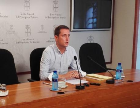 El PP presenta un recursu al TSXA contra'l plan pa facer l'asturianu vehicular en Primaria esti cursu