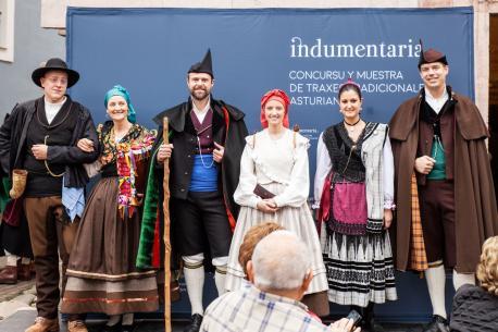 Laura Menéndez Fernández y Javier Bengoechea lleven el primer 'Indumentaria'