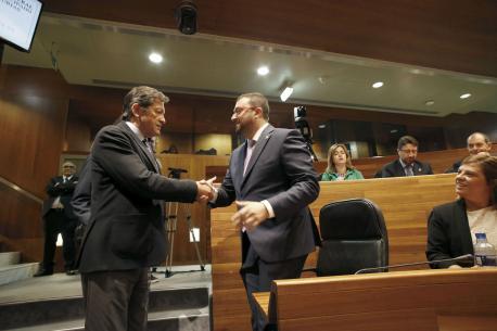 Javier Fernández y Adrián Barbón, presidente d'Asturies