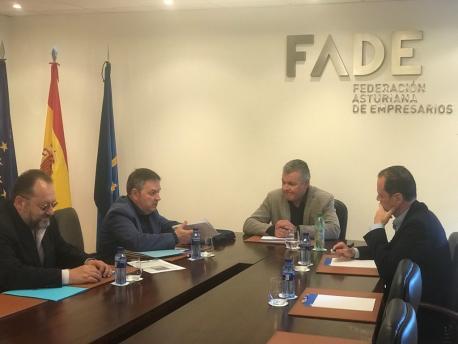 José Alba, Xosé Antón González Riaño, Belarmino Feito y Alberto González Menéndez reunión ALLA y FADE
