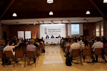 Presentación del informe 'Impacte i valor econòmic del valencià'