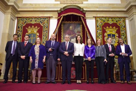 García Pañeda prometió'l so cargu n'asturianu