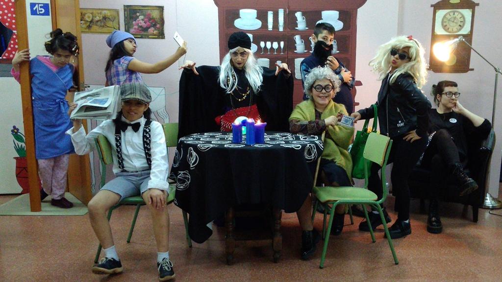 El CP Felechosa comienza la so xira teatral cola obra 'P'allá del Más-Allá'