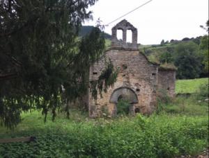 Ilesia Vieya de San Pedru La Collá y el Texu de Ceñal