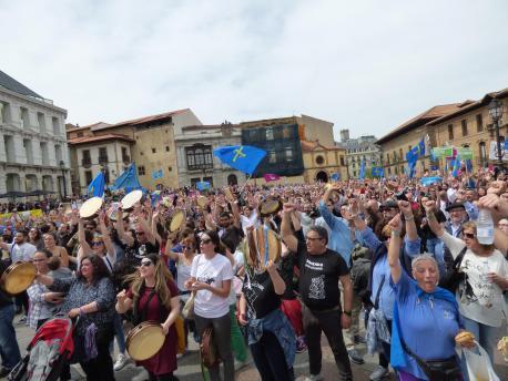 Manifestación oficialidá del 21-A del 2018 n'Uviéu