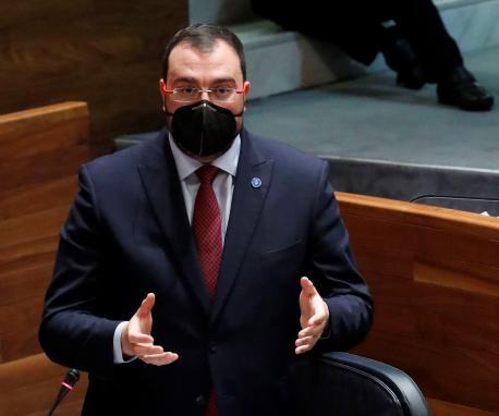 Adrián Barbón Plenu entruga oficialidá amable recortada
