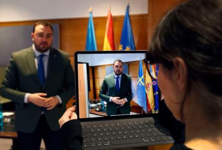 Adrián Barbón tres videoconferencia de presidentes 19-A