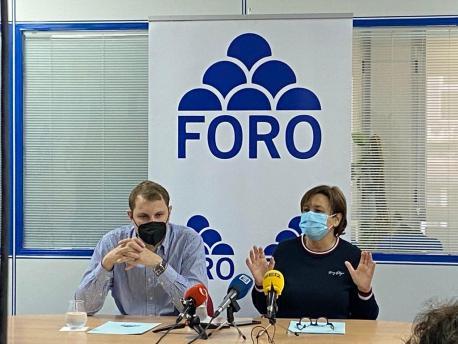 Adrián Pumares y Carmen Moriyón anuncia refundación Foro