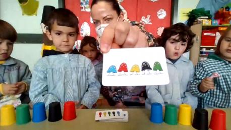 Alba Hernández maestra Infantil xuegu alcuentru virtual