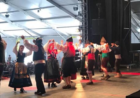 El Grupu de Baille Tradicional San Félix de Candás estrena 'Alluende'