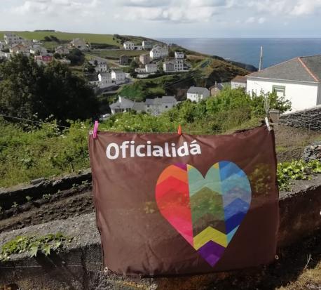 Bandera Oficialidá n'Ortigueira