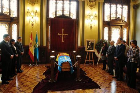 La capiella ardiente d'Álvarez Areces treslládase a Xixón